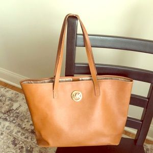 Used Michael Kors brownish tan tote 👜